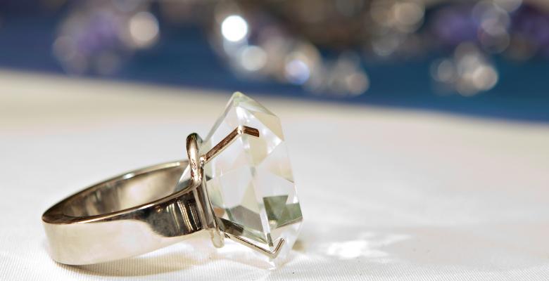 fake-diamond